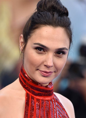 what is gal gadot real phone number whatsapp hacked leaked 2019